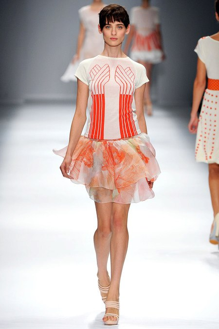 images/cast/10151034433937035=Spring 2013 COLOUR'S COMPANY fabrics x=cacharel paris